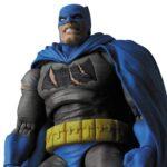 mafex-batman-triumphant5